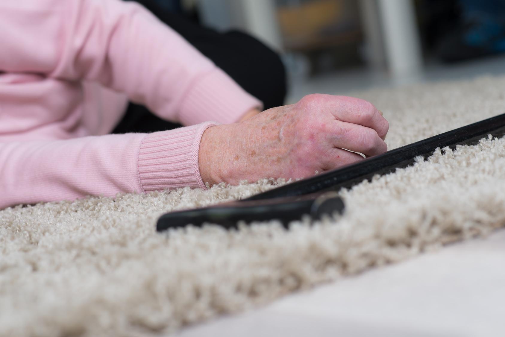 Sturzrisiko Bei älteren Menschen