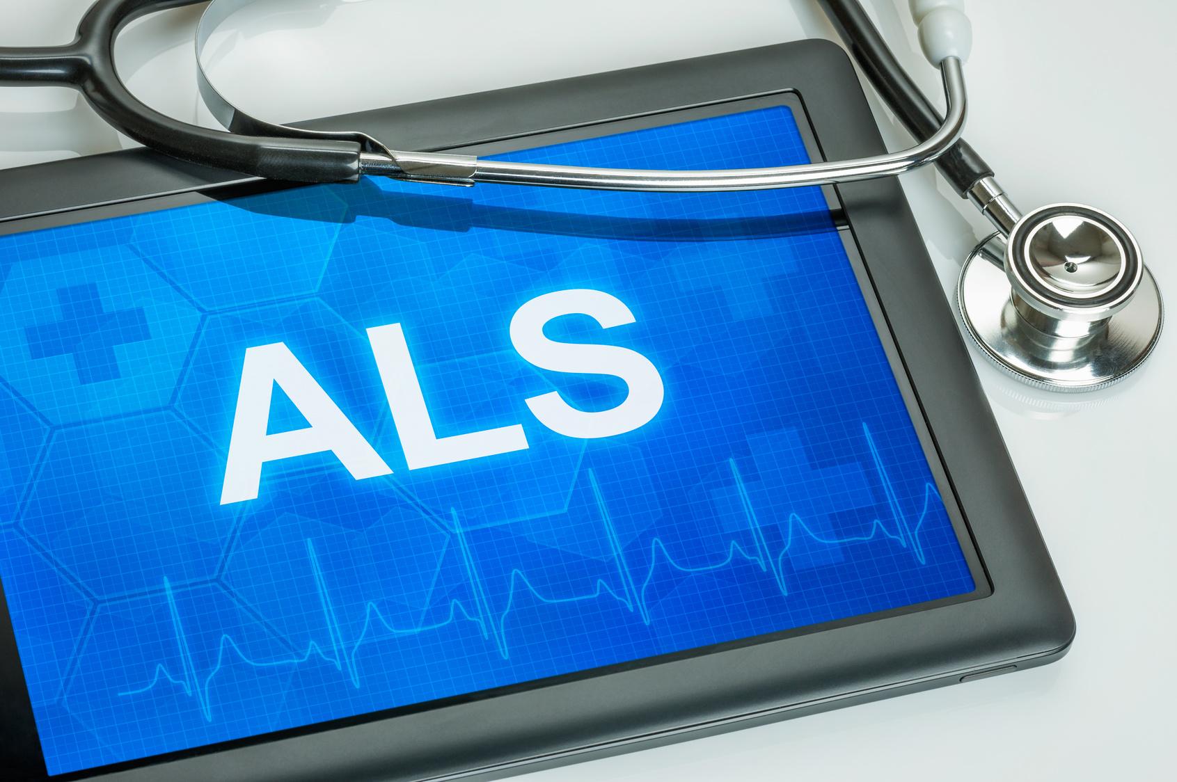als-Amyotrophe-Lateralsklerose-diagnose-stethoskop-tablet-blauer-screen-herzschlag
