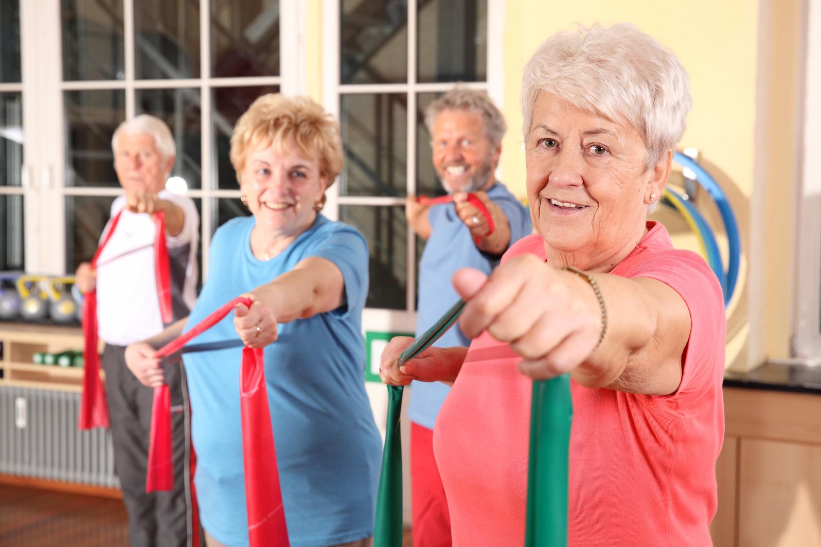 senioren-gymnastik-fitness-sport-studio-strechband-theraband